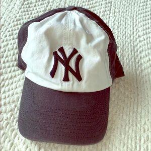 Navy Blue & White New York Yankees Baseball hat